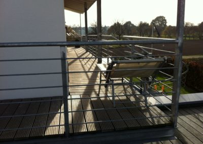 Balkon ohne Verkleidung | Balkon mit Geländer | Janssen GmbH