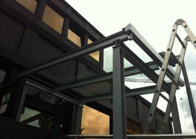 Montage eines Vordaches Metallbau Janssen Kalkar